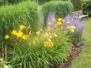 the-garden-1351488418rBX