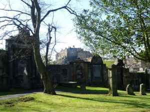 800px-Greyfriars_Kirkyard,_Edinburgh