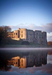 421px-Carew_Castle,_Pembrokeshire,_UK