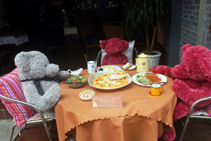 lunch-with-the-bears-2961280369046Hq9T