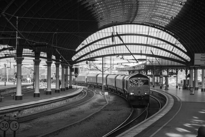 train-station-platform-1475043507HM4