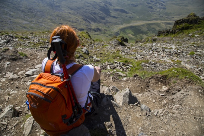 woman-hiker-with-backpack-1471614930KLM